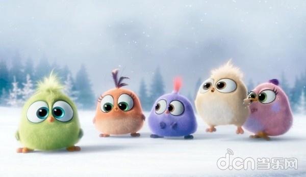 索尼日前再一次释出圣诞节日版特辑,一群毛茸茸的五彩小鸟一字排开